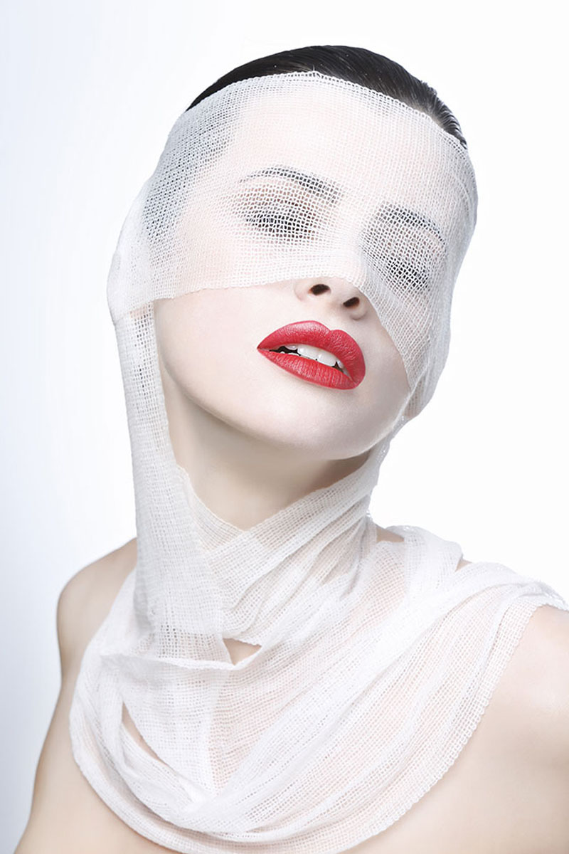 Editorial Bands Beauty - Fotografía: Eduardo Peris - Modelo: Elena Galli